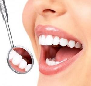 Periaj profesional in Iasi la cabinet stomatologic Anatomic Dent Iasi